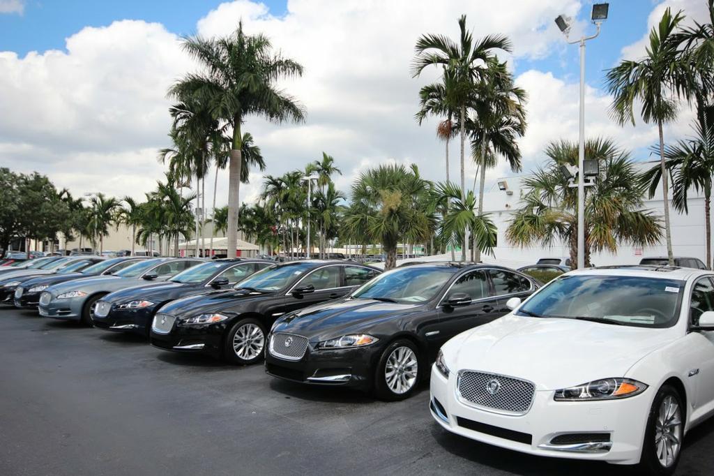 Jaguar Digital Showroom | Miami