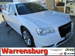 Used  2015 Chrysler 300 Limited for sale in Warrensburg, MO