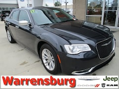 Used  2017 Chrysler 300C Base for sale in Warrensburg, MO