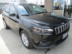 2019 Jeep Cherokee LATITUDE FWD Sport Utility for sale in Warrensburg