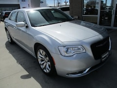 2019 Chrysler 300 TOURING L Sedan for sale in Warrensburg