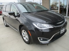 2018 Chrysler Pacifica Hybrid for sale in Warrensburg
