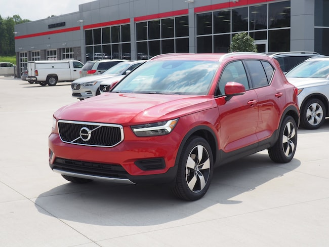 New 2019 Volvo XC40 T4 Momentum SUV in Warren, OH