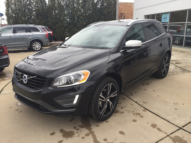 New 2017 Volvo XC60 T6 AWD R-Design SUV in Warren, OH