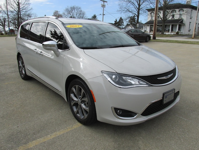 Used 2017 Chrysler Pacifica Limited Van For Sale Washington IN