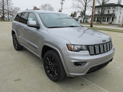 New 2019 Jeep Grand Cherokee ALTITUDE 4X4 SUV for sale in Washington, IN