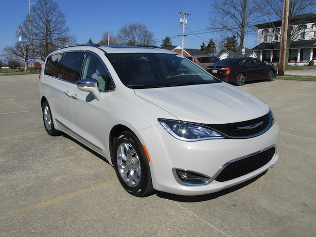 New  2019 Chrysler Pacifica LIMITED Passenger Van For Sale Washington, IN