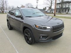 New 2019 Jeep Cherokee ALTITUDE 4X4 Sport Utility for sale in Washington, IN