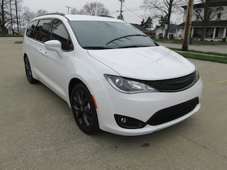 New 2019 Chrysler Pacifica TOURING L Passenger Van for sale in Washington, IN