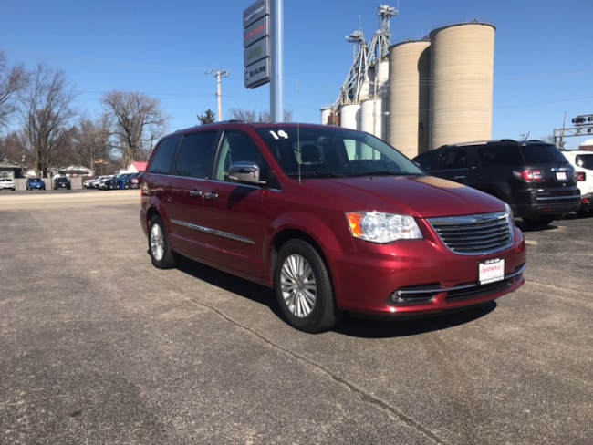 Used 2014 Chrysler Town & Country Limited For Sale | Watseka IL