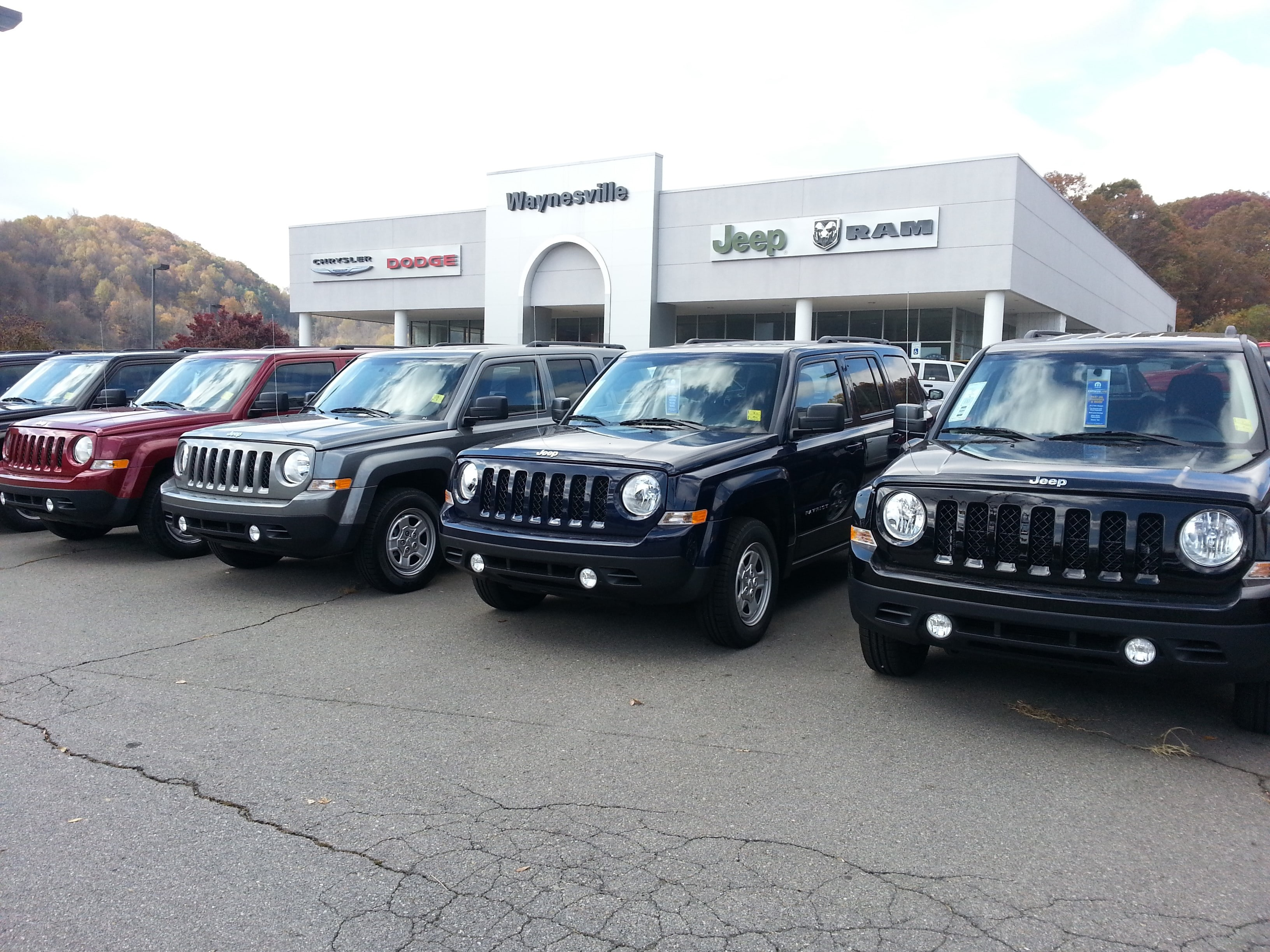 inventory dealer searchused limited logansport cherokee vehicle jeep chrysler in
