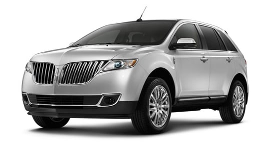 The  Lincoln Mkx Offers A Classic Design With Beautiful Touches Such As Led Tail Lamps That Give It A Sharp Pop The Interior Is Spacious And Has A