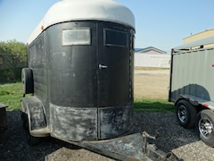 1996 Homesteader 5x10 Horse Trailer