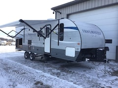 2018 GULF STREAM Trailmaster 257RB couples with outdoor kitchen