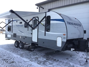 2018 GULF STREAM Trailmaster 259BH with bunks