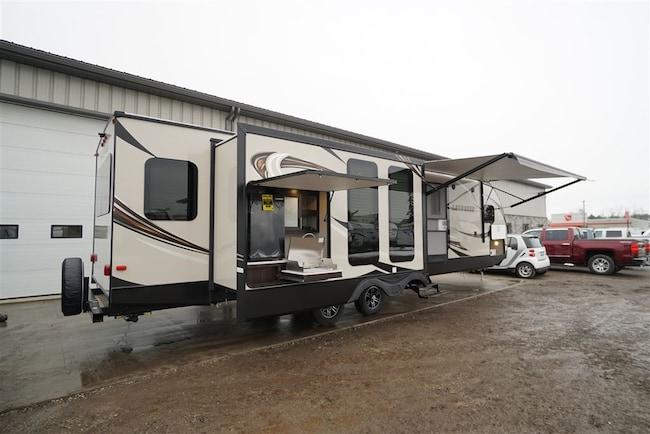 2019 LaCrosse 3299SE King Bed