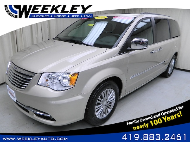 Used 2016 Chrysler Town & Country Touring-L Passenger Van Butler, OH