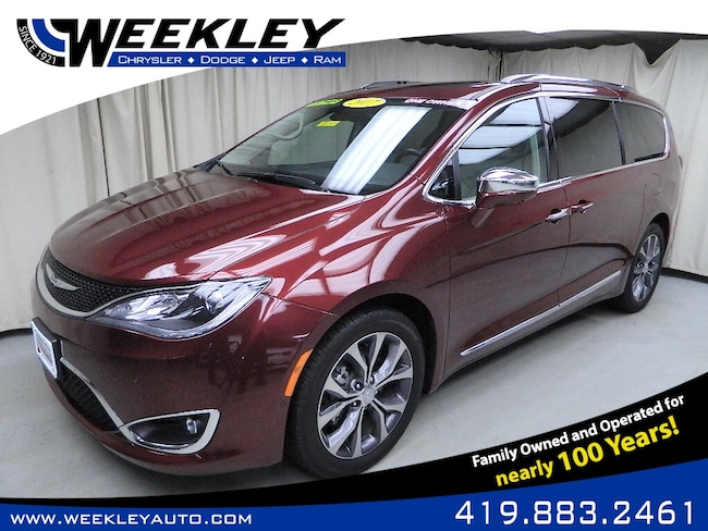Used 2017 Chrysler Pacifica Limited Passenger Van Butler, OH