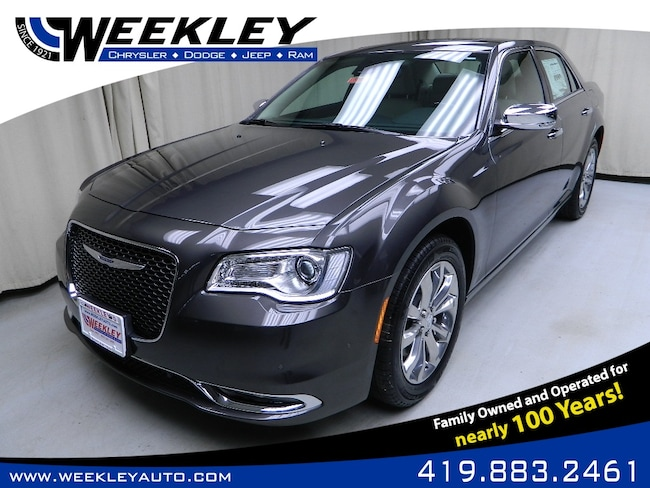 New 2019 Chrysler 300 LIMITED AWD Sedan Butler, OH