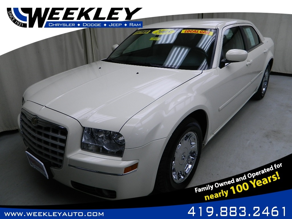 2005 Chrysler 300 Touring Sedan
