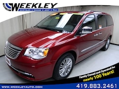2016 Chrysler Town & Country Touring-L Anniversary Edition Wagon