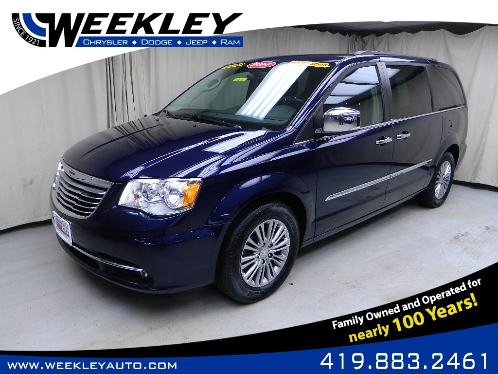 2014 Chrysler Town & Country Touring-L Wagon