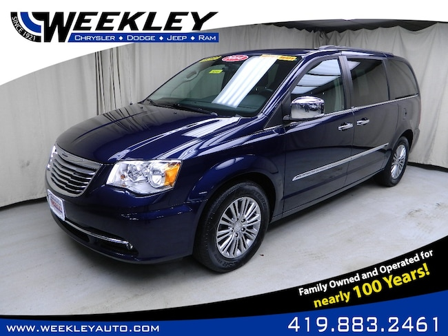 Used 2014 Chrysler Town & Country Touring-L Passenger Van Butler, OH