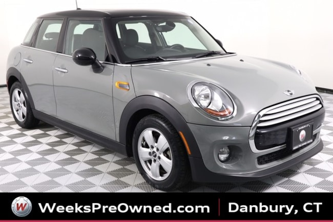 2015 MINI Cooper Hardtop 4 Door 6-Spd Manual Sedan