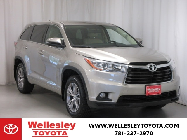 Featured 2016 Toyota Highlander AWD LE Plus V6 SUV for sale near you in Wellesley, MA