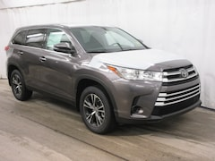 New 2019 Toyota Highlander LE V6 SUV for sale Wellesley