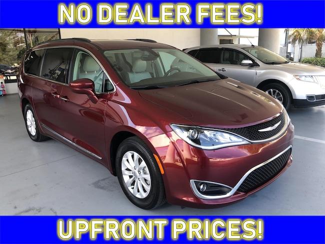 2017 Chrysler Pacifica Touring-L Van for sale in Avon Park near Sebring