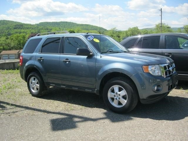 2011 Ford Escape XLT FWD  XLT