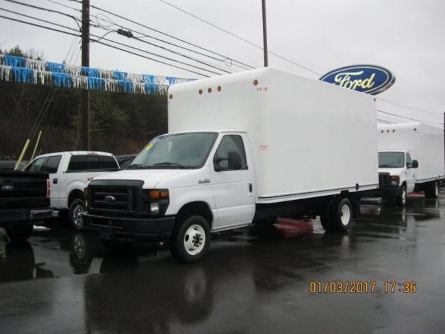 2016 Ford Econoline Commercial Cutaway Base DRW Chassis Truck