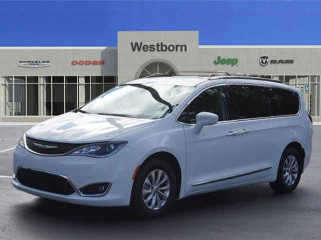 2018 Chrysler Pacifica Touring L Van