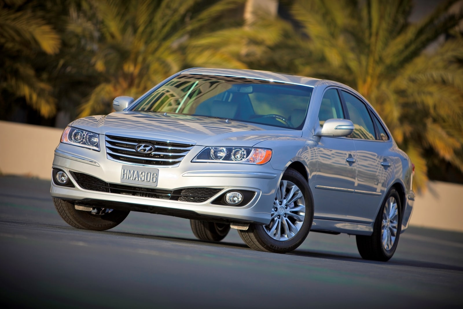 hyundai rating seat coolers motor and trend warmers cars azera reviews