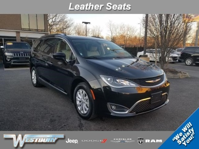 Certified Pre-Owned 2018 Chrysler Pacifica Touring L Touring L FWD Long Island