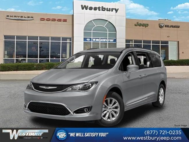 New 2019 Chrysler Pacifica TOURING L Passenger Van Long Island