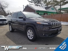 Used 2016 Jeep Cherokee Latitude 4WD  Latitude for sale in Long Island