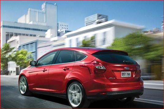 2013 ford focus back - red