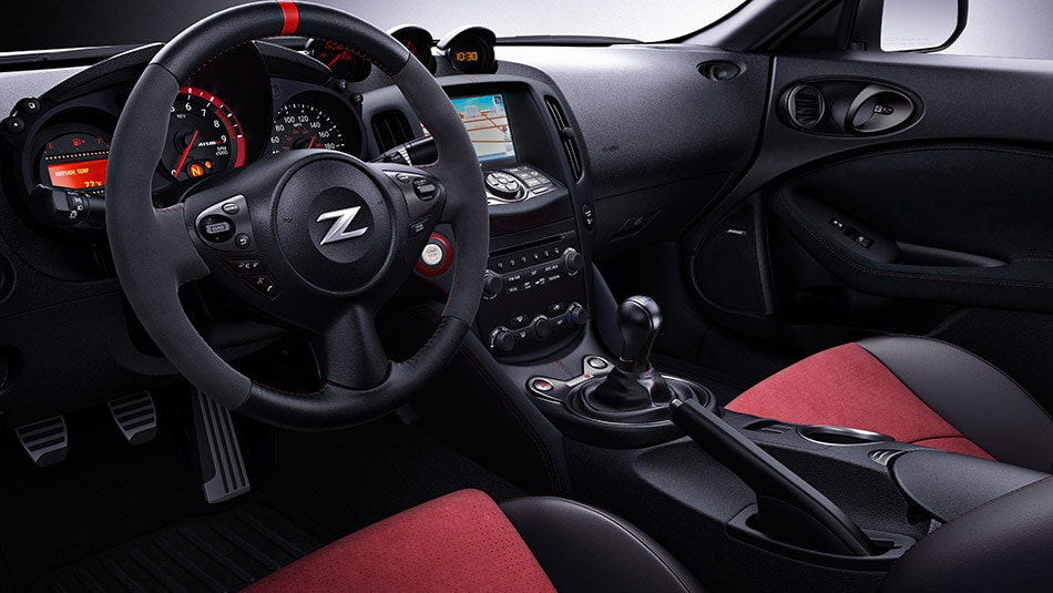 2017 Nissan 370Z Coupe Interior Dashboard