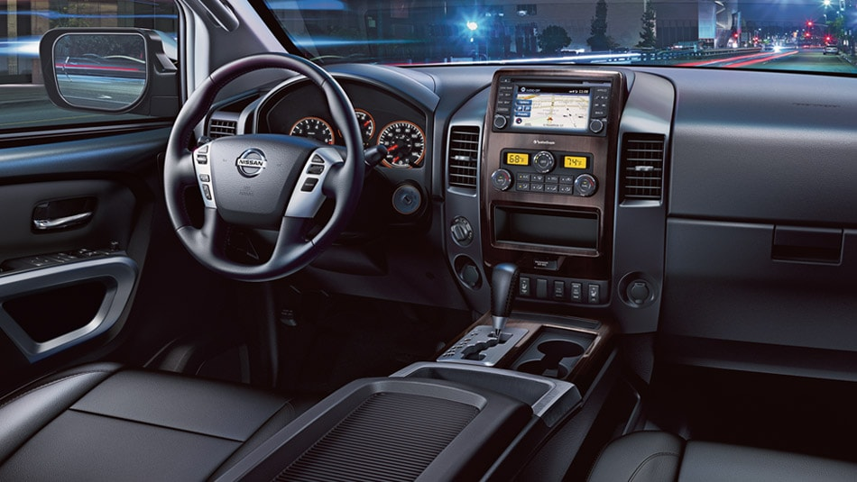 2015 Nissan Titan Interior Dashboard