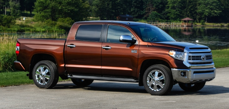 Toyota Tundra Crewmax Exterior Front