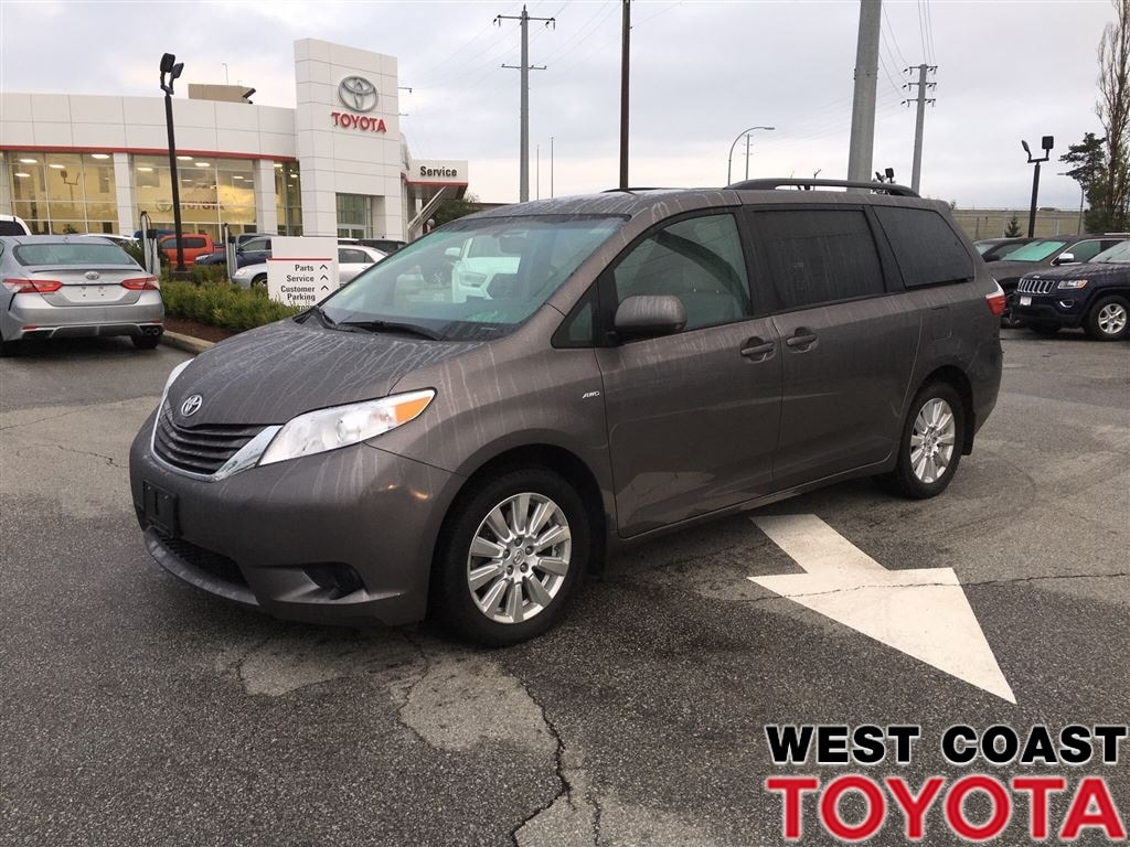 2017 Toyota Sienna LE AWD-NO ACCIDENT CLAIMS/LOCAL VEHICLE Minivan