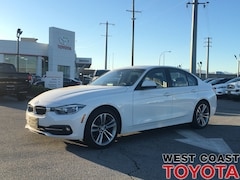 2017 BMW 320I xDrive-NO ACCIDENT CLAIMS/LOCAL/NAV