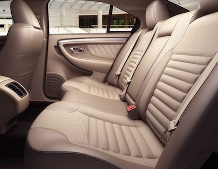 The interior of the 2018 Ford Taurus