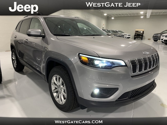 New 2019 Jeep Cherokee LATITUDE 4X4 Sport Utility for sale in Raleigh, NC