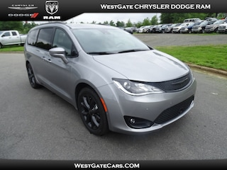 New 2019 Chrysler Pacifica LIMITED Passenger Van C33601 in Raleigh, NC