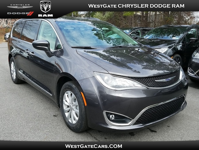 New 2019 Chrysler Pacifica TOURING L Passenger Van for sale in Raleigh, NC