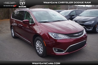 New 2019 Chrysler Pacifica TOURING L Passenger Van C32748 in Raleigh, NC
