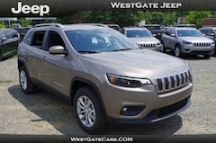 New 2019 Jeep Cherokee LATITUDE 4X4 Sport Utility in Raleigh NC